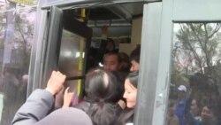 В Бишкеке водители маршрутных такси приостановили работу
