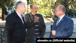 Директор «Держзеленгоспу» Олександр Чернов (у центрі)