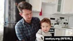 Эмир Шахмаров с отцом Талехом.