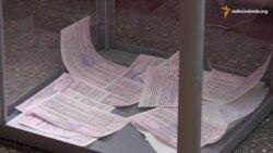У Черкасах виборець намагався винести бюлетень із дільниці (відео)