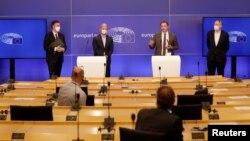Az EU-brit megállapodásról szóló vitát követő sajtótájékoztató az Európai Parlament brüsszeli székházában, 2021. április 27-én
