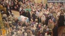 У Києво-Печерській лаврі прощаються з митрополитом Володимиром