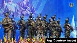 شماری از نیروهای امنیتی دفاعی افغانستان در محفل گرامیداشت از روز ملی سرباز در وزارت دفاع
