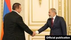 Armenia - Prime Minister Nikol Pashinian meets with Prosperous Armenia Party leader Gagik Tsarukian, Yerevan, July 8, 2021.