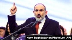 نیکول پاشینیان، صدراعظم ارمنستان