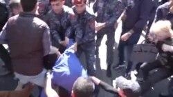 بازداشت معترضان در تظاهرات ضد دولتی در ارمنستان