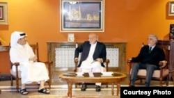 دیدار وزیر خارجه قطر با حامد کرزی رئیس جمهور سابق و عبدالله عبدالله رئیس پیشین شورای عالی مصالحه ملی افغانستان در کابل