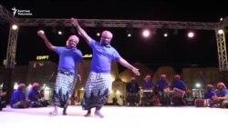 Абу-Даби: бийчилерди бириктирген фестиваль