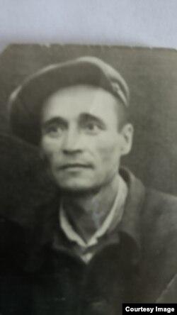 Сергей Иванов (отец Сергея Тарасова) в лагере