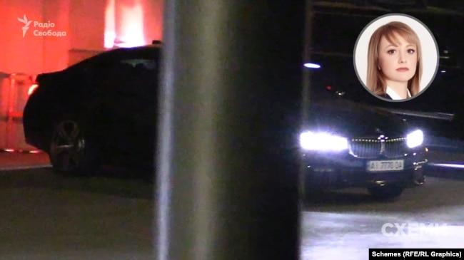 Майже одразу звідти ж поїхала і BMW – номери автомобіля зареєстровані на депутатку від «Слуги народу» Київської облради Наталію Гунько