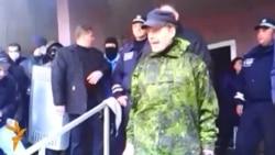 Сепаратисты штурмуют райотдел милиции в Горловке