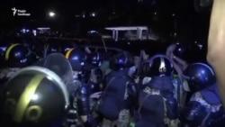 Демонстранти в Азербайджані вимагають від влади почати мобілізацію і видати їм зброю – відео