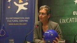"""Eurodeputetja Lunacek, ia lë """"topin në duar"""" qeverisë"""