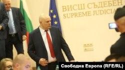 Иван Гешев пристига в залата за пресконференции на ВСС след повторния си избор