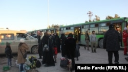 Зеленые автобусы для эвакуации постанцев и мирного населения из восточного Алеппо