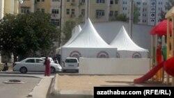 В Ашхабаде в эти дни свадеб и традиционных обрядов стало больше, чем обычно сообщают корреспонденты Азатлыка