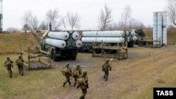 Зэнітна-ракетныя комплексы, разгорнутыя падчас ваенных вучэньняў на Балтыйскім флёце ВМФ Расеі ў Калінінградзкай вобласьці, 30 студзеня 2015 году