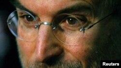 Стив Джобс. Лондон, 15 маусым 2004 жыл.