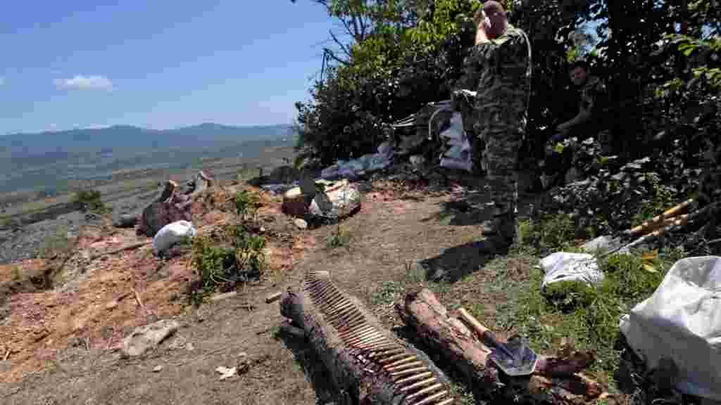 8 августа: вооруженные люди из Южной Осетии занимают позиции у Цхинвали