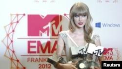 Taylor Swift, foto nga arkivi