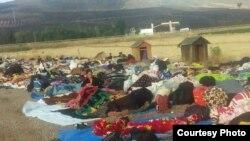 Refugiați Yazidi la granița dintre Bulgaria și Turcia.