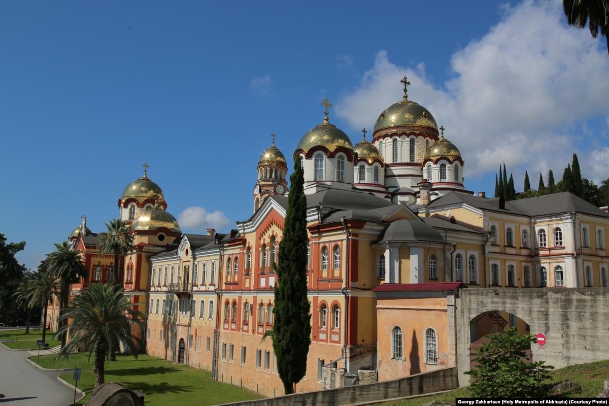 Абхазская неделя: воззвание к РПЦ, футбол, синдром Гийена-Барре