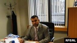 مدير مكتب المفوضية في المملكة المتحدة علاء عبد اللطيف