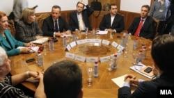 Координативна средба кај претседателот на Собранието на РМ, Трајко Вељаноски за динамиката и деблокирањето на донесувањето на буџетот за 2013 година.