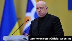 Як заявив Турчинов, українські силовики навели «неспростовні докази участі ФСБ і ГУ ГШ ЗС Російської Федерації в організації терактів на території України»
