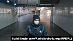 The main railway station in Kyiv is closed for quarantine.