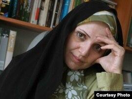 Ирандық журналист әрі әйелдер құқығын қорғаушы Фариба Давуди Мохаджер. Теһран қаласы.