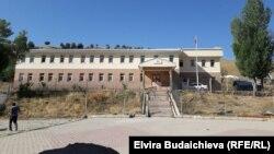Сельская школа в Улуу Памире.