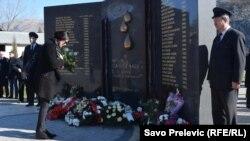 Porodice nastradalih još čekaju odgovore: Spomenik žrtvama nesreće u Bioč