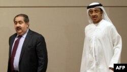 هوشیار زیباری وزیر امور خارجه عراق در کنفرانس خبری مشترک با عبد الله بن زاید آل نهیان همتای اماراتی خود در ابوظبی.