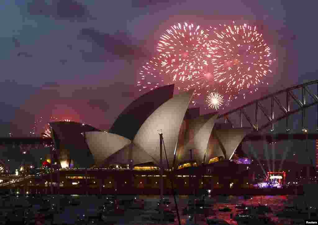 استرالیا، نخستین جایی که سال ۲۰۱۵ را آغاز کرد