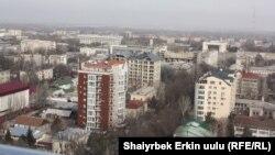 Бишкектин борбордук бөлүгүндөгү жаңы курулган үйлөр.