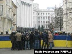 Урядовий квартал під охороною Майдану, Київ, 22 лютого 2014 року
