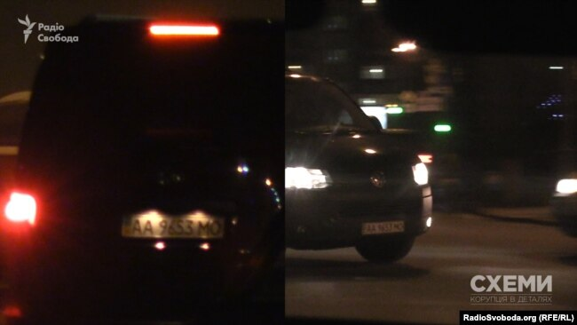 Вже знайомий мікроавтобус, який 8 січня зустрічав президента Порошенка з відпочинку, зафіксовано біля виїзду з АП