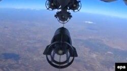Орусия аскер учактары Сириянын аба мейкиндигинде бомба ыргытууда.