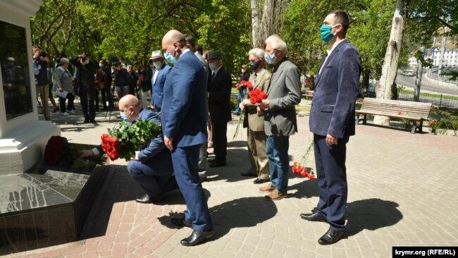Памятник жертвам депортации крымских татар в Севастополе