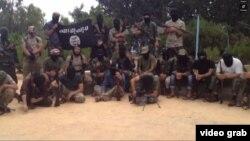 Скриншот видео о воюющих в составе экстремистских группировок выходцев из стран Центральной Азии.