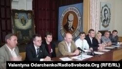 Представники восьми партій, що підписали Меморандум про спільні дії на виборах