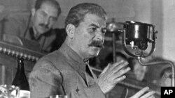 Жертвите на чистката на Сталин са милиони.