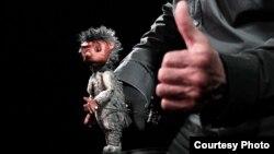 Владимир Захаров и его живая кукла