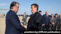 Кыргызстандын президенти Сооронбай Жээнбеков менен Тажикстандын президенти Эмомали Рахмон. 26-июль, 2019-жыл.