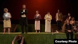 """""""Вишновата градина"""" на битолски театар."""
