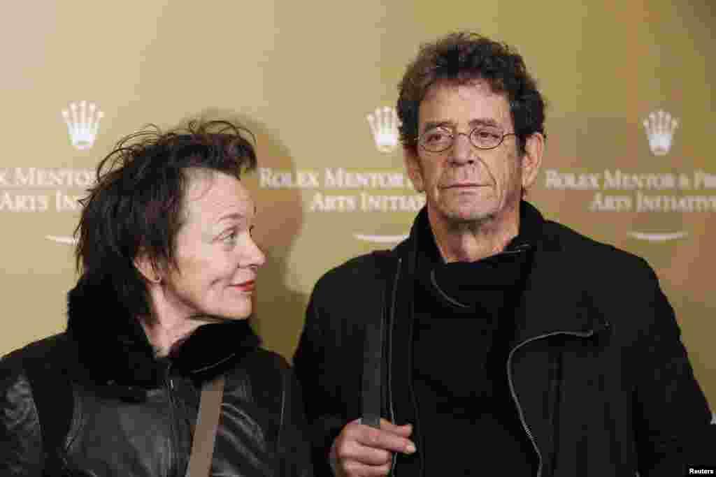 Ноябрь 2001 года - Лу Рид со своей третьей женой, музыкантом Лаури Андерсон в Нью-Йорке