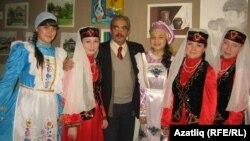 Хәлил Ачыкгөз татар кызлары белән