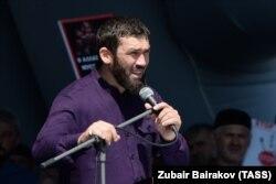 Несмотря на рассказы о своей активной работе, Даудов отчет не представил