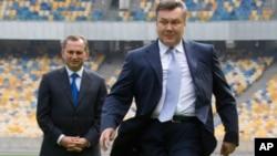 Ukrajinski predsjednik Viktor Janukovič na stadionu u Kijevu, rujan 2011.